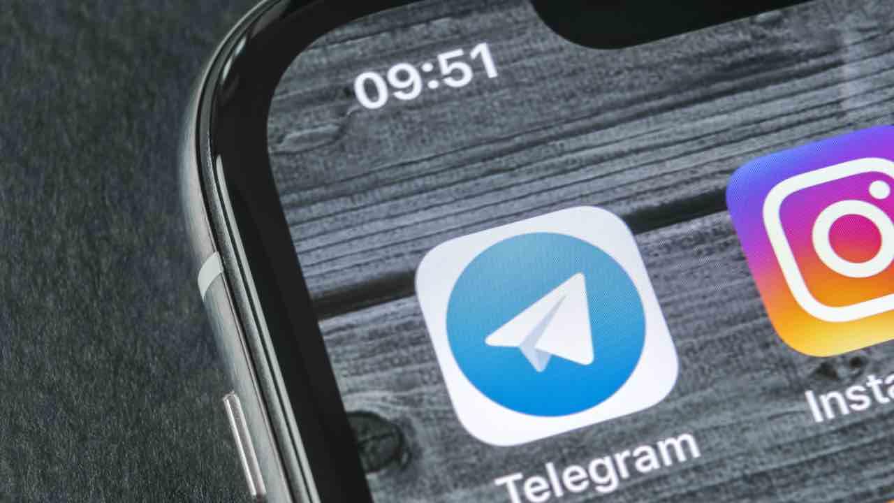 Telegram funzione visualizzazione messaggi chat gruppo