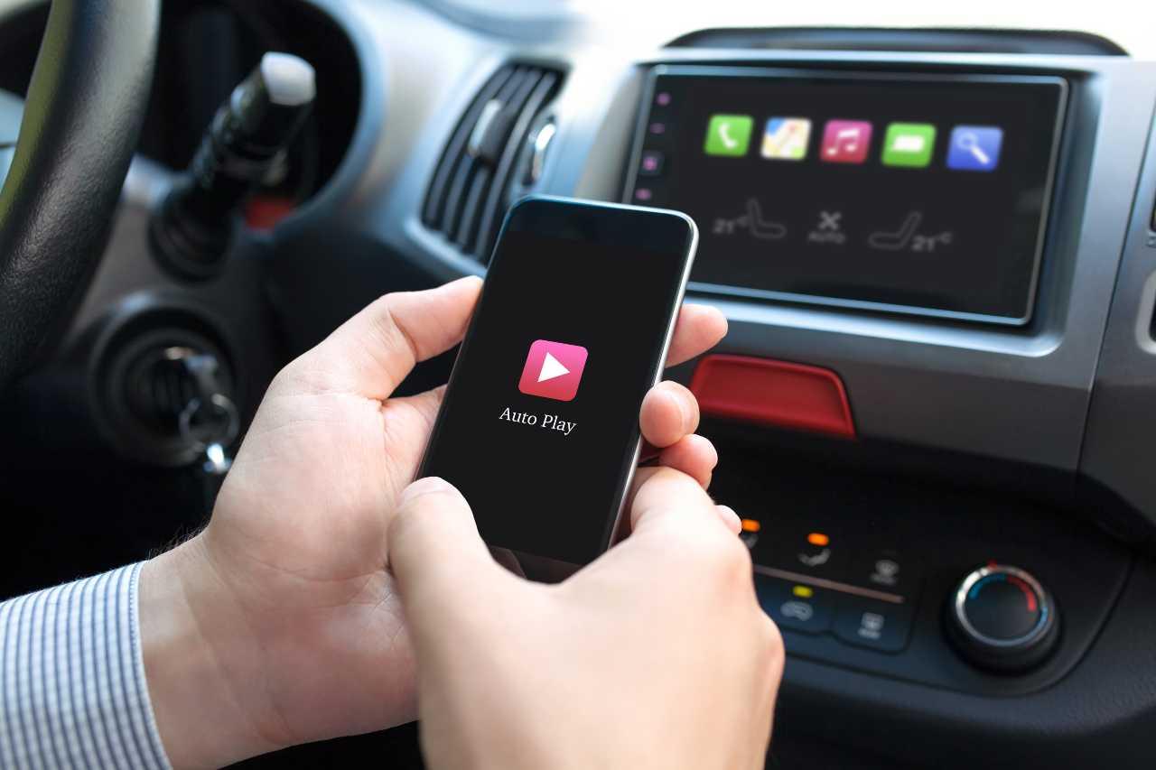 Car Play (Adobe Stock)