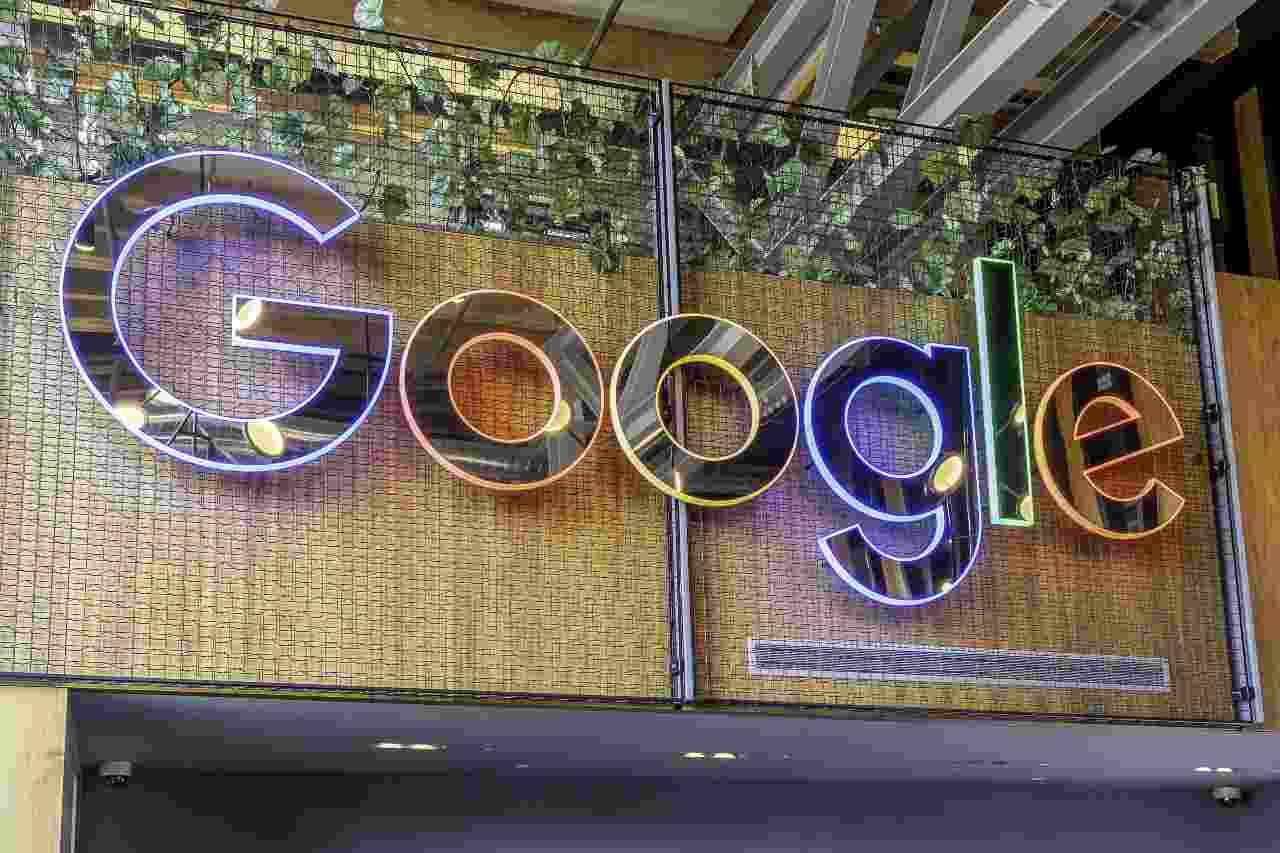 Google, occhi puntati sulla sostenibilità. AI parola chiave (Adobe Stock)