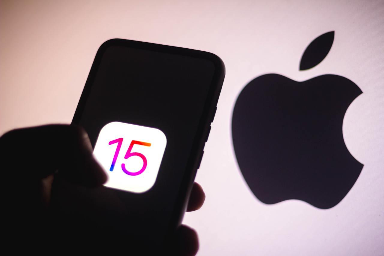 iOS 15 (Adobe Stock)